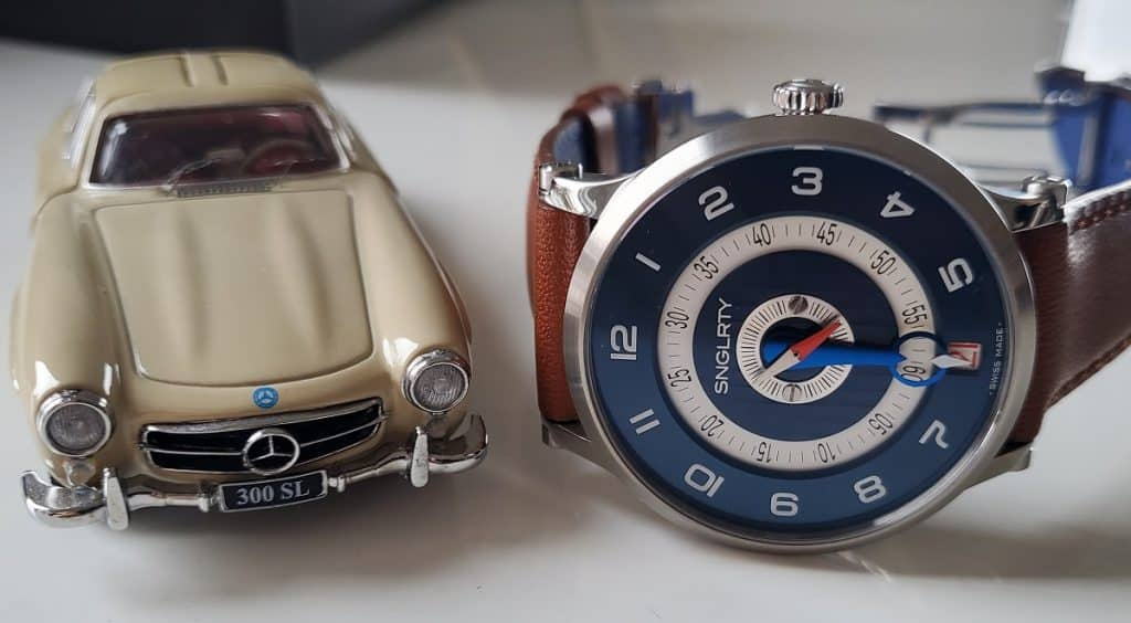 SNGLRTY patented single-hand watch with model mercedes
